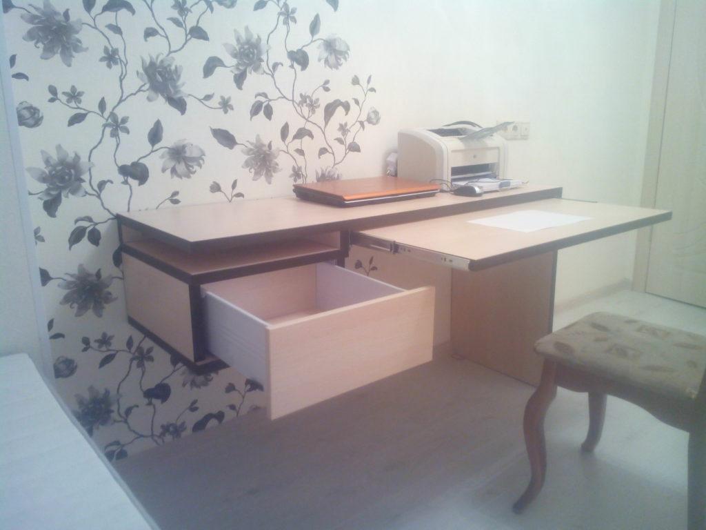 Кровать-книжный шкаф и парящий стол. (Часть 1)